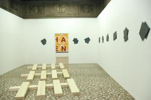 Hamish Fulton, Richard Nonas, 2012, installation view