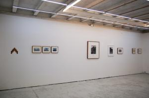 Unlike a drawn line a walked line can never be erase, Hamish Fulton. Prima sala, installation view