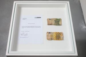Cesare Pietroiusti, Eating Money, 2005, courtesy Galleria Michela Rizzo and the artist photo by Francesco Allegretto
